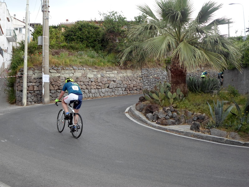 cyclist at Ischia 100