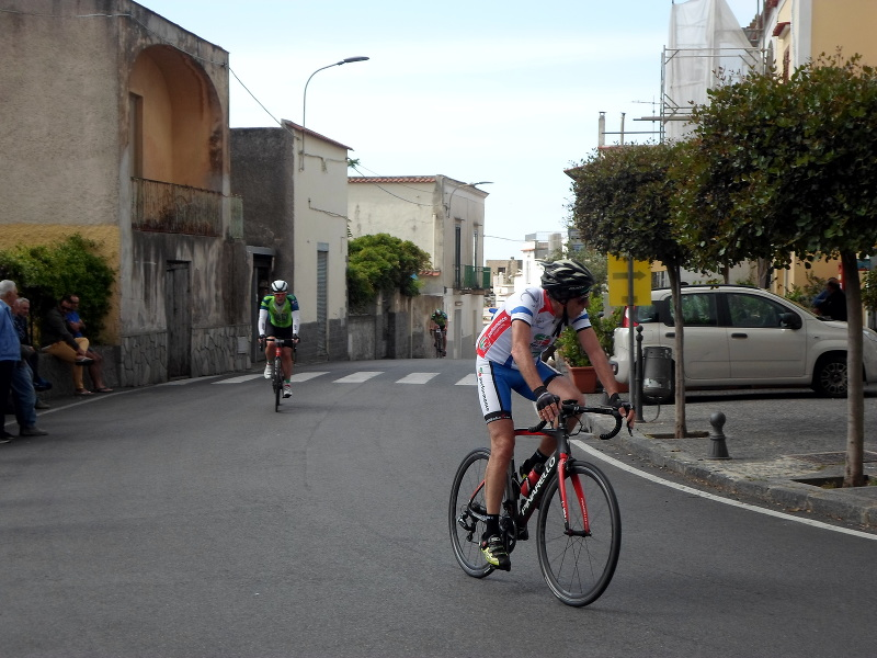 Ischia cycling race turns