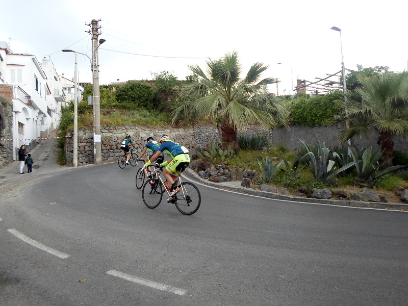 Sharp turns on Ischia 100