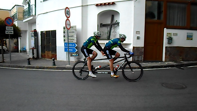 tandem cycling at Ischia 100